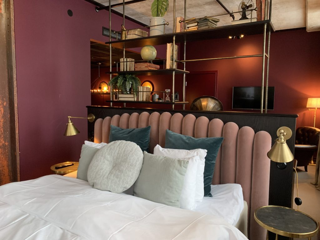 the-brand-and-business-lounge-steam-hotell